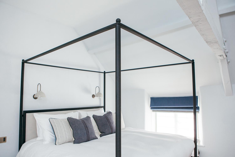 bed 1500.jpg