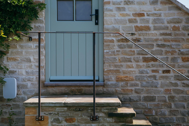 handrail 1 1500 .jpg