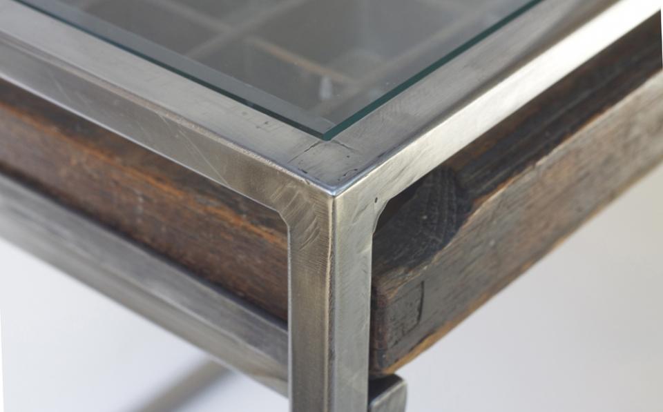 table corner1000.jpg