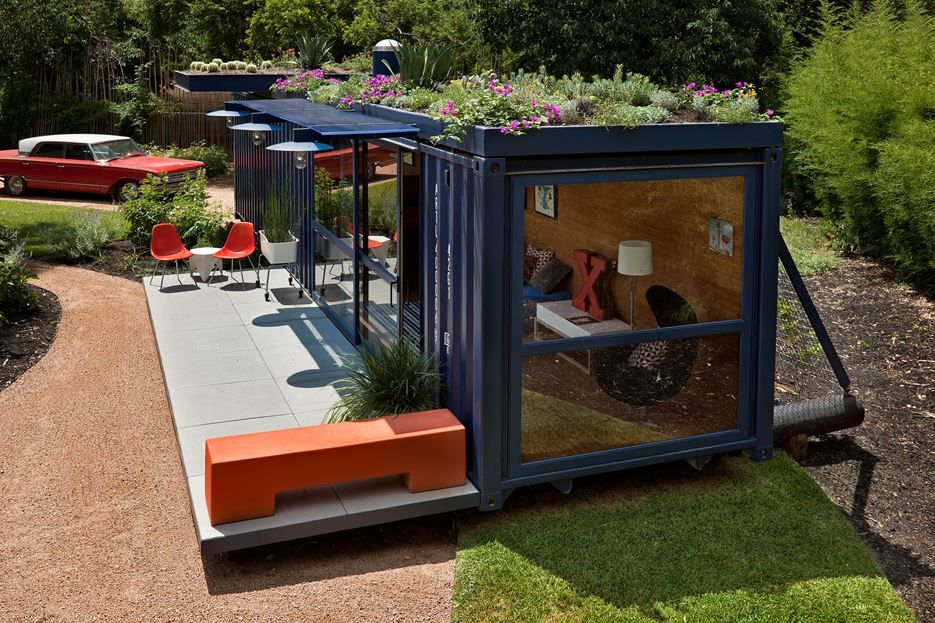 Container-Guest-House-Green-Roof